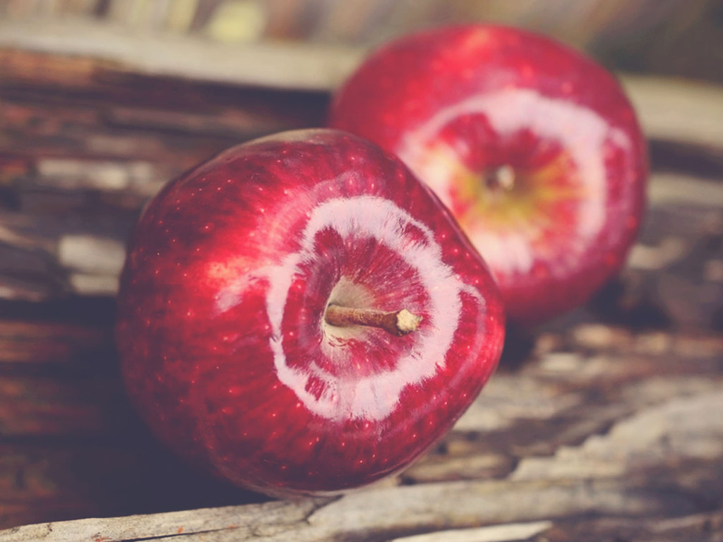 How To: Keep The Kids Happy With Fresh Apple Slices On The Go