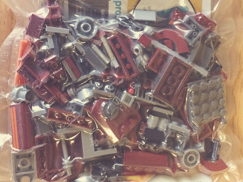 Keep Lego Sets Neat And Organized Using VacMaster