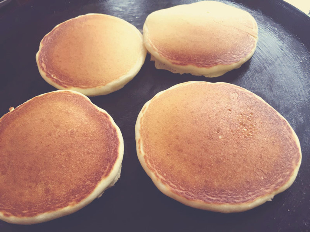 Hectic Morning? Chef Eric's Sweet Buttermilk Baking Blend and Pancakes to the Rescue!