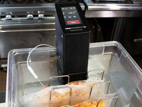 VacMaster SV10 Immersion Sous Vide Circulator in water bath using built in probe