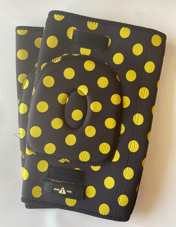 1Tri Knee Gaskets - Yellow Polka Dot