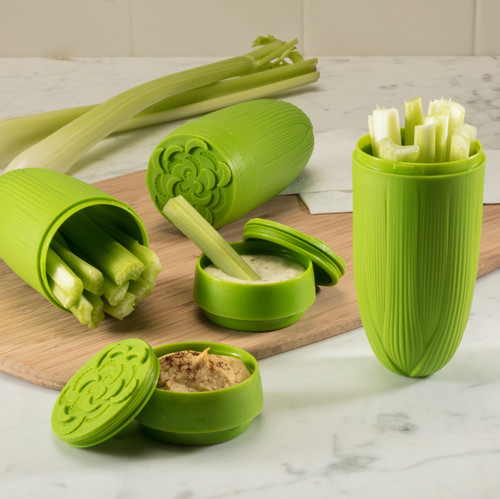 Celery & Dip with celery and ranch dressing