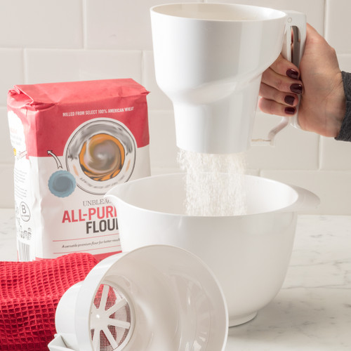 Sifting flour with the Hutzler Sifter