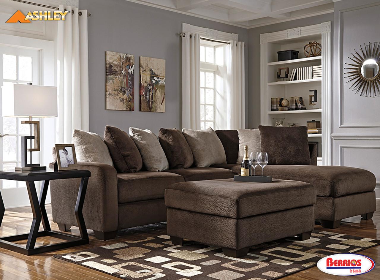 88302 Dahlen Sectional Living Room