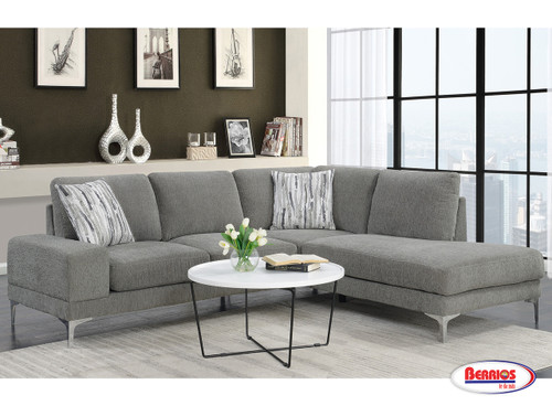 1542 Falcon Sectional Living Room
