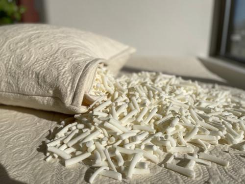 Noodle Pillow spilling noodles