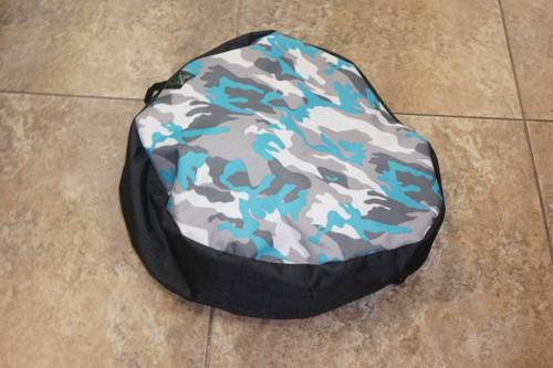 Azul como bum bag, filed target cushion