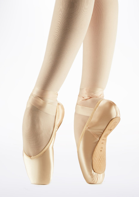 Bloch European Balance ES0160L Pointe Shoe Strong Pink front. [Pink]