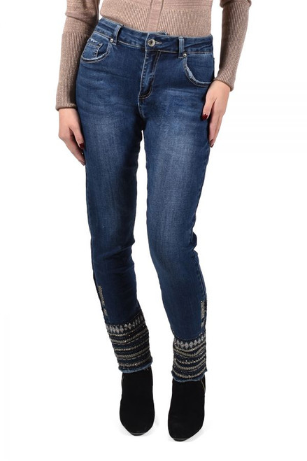Frank Lyman Stylish Jeans With Embellishment  (213121U)