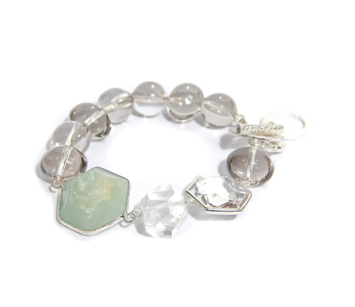 Grey Beaded Bracelet With Pale Green Stone. (1378/GN/B/F)