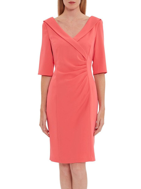 long sleeves dress with V neck. perfect for a formal event or dinner. Featuring a concealed underarm zip and fully lined. The slight ruched design adds even more style and flair. Pair with your favourite heels and bag.
