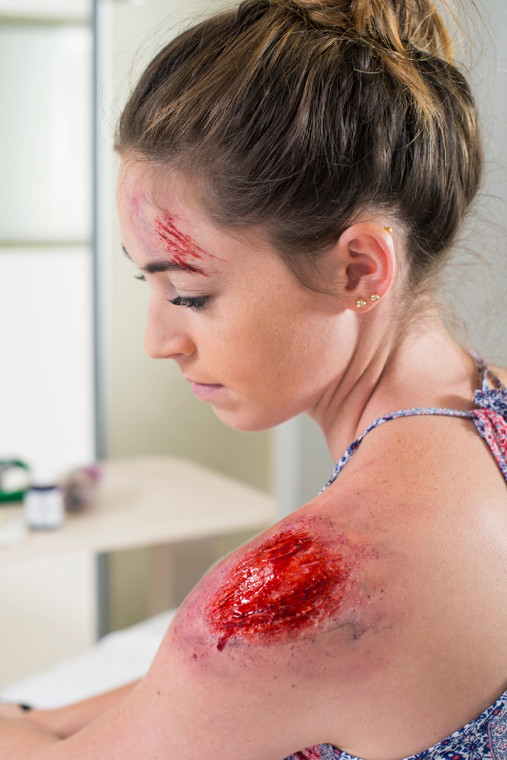 Moulage applied to female talent