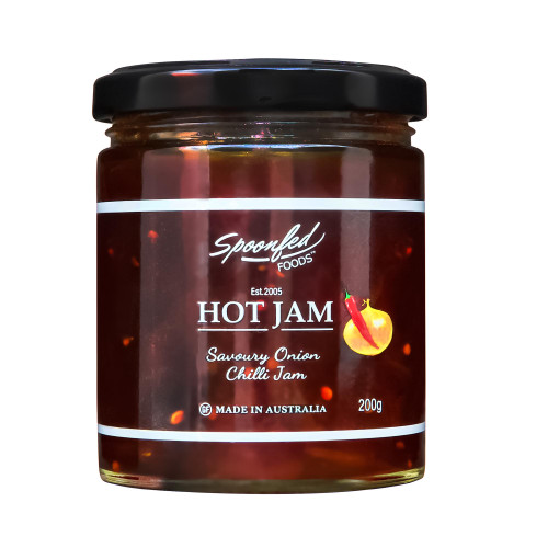Deliciously combines the fresh taste of chilli with mellow caramelised onion. Please note this is a new jar size of 200g.
