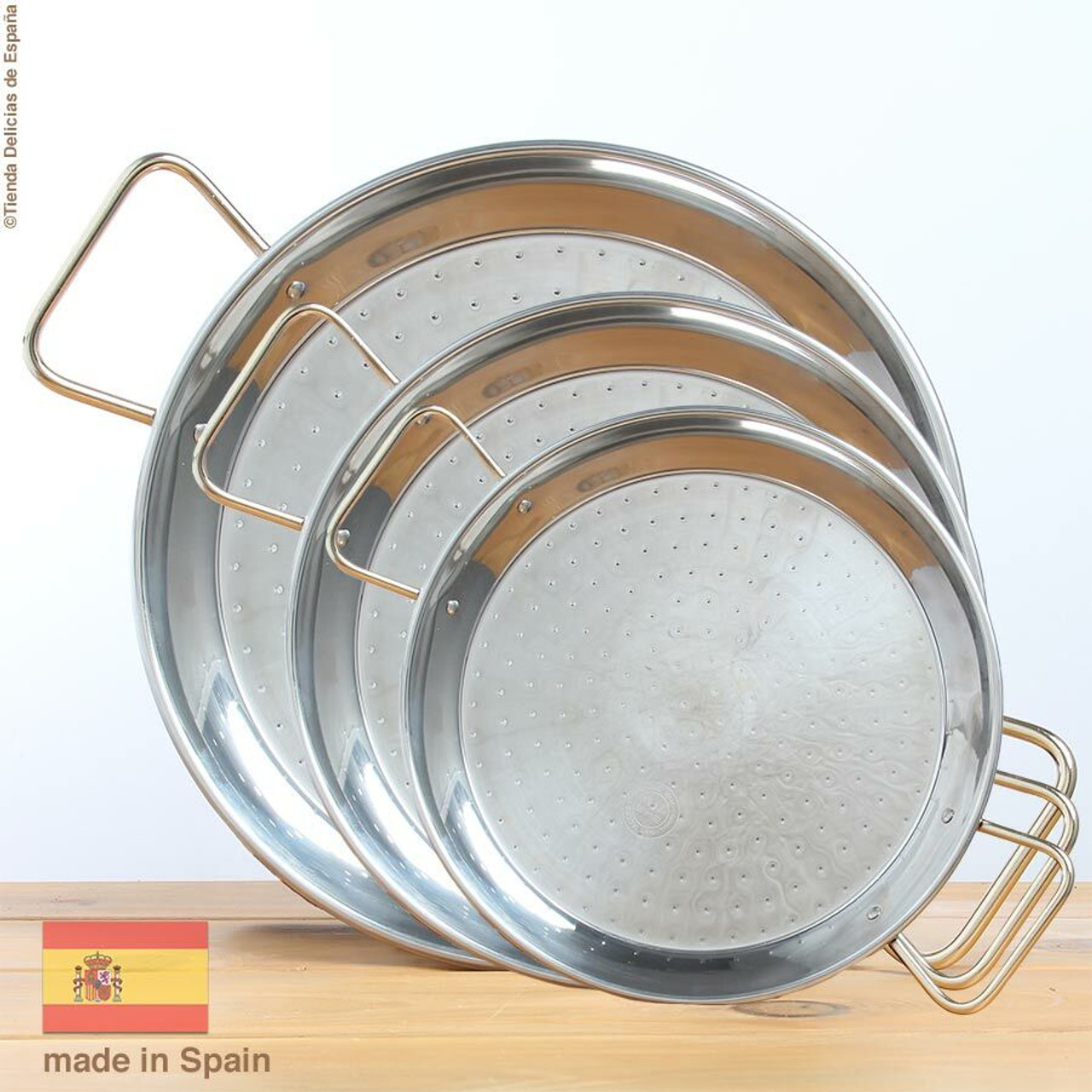 Paella Pans & Accessories