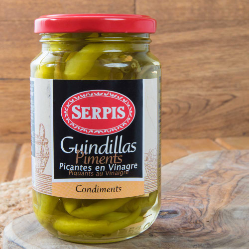 Guindillas - Hot green chili peppers by Serpis
