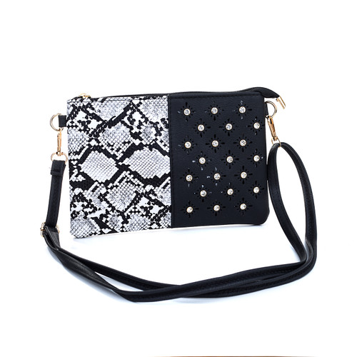 Black Snake Skin Effect With Diamond Clover Crossboday Bag B4701