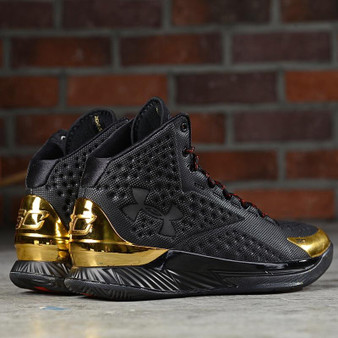 Under Armour Basketball Shoe