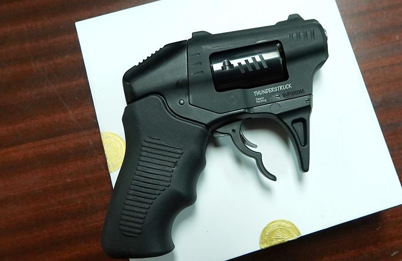 gun-4.jpg