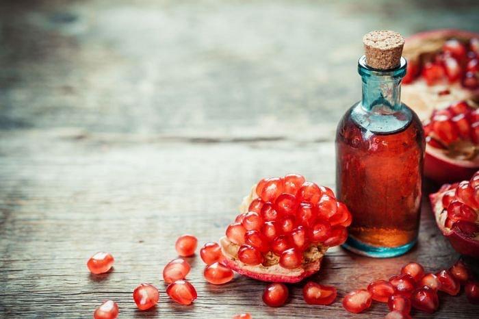 pomegranate-seed-oil.jpg