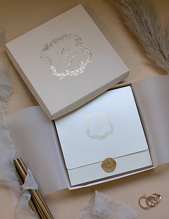 Royal Style Ivory & Gold Boxed