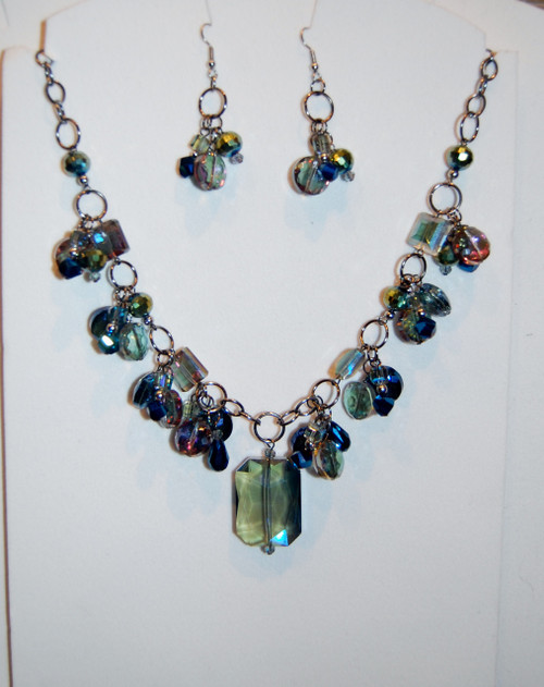 Carnival glass shaded crystal drops necklace set