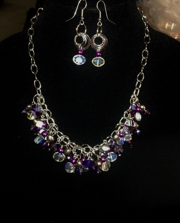 Purple and clear crystals cluster necklace set