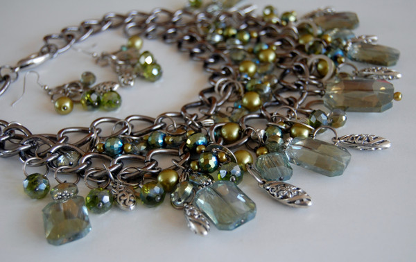 Green Crystal Cluster necklace set