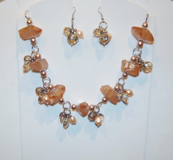 Peach coloured quartz with crystal and pearl drops necklace set