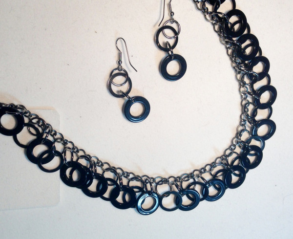 Black circle drops necklace set
