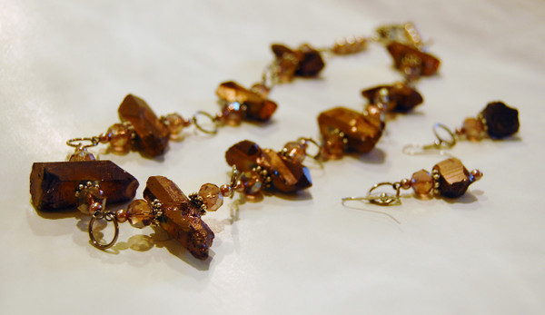 Amethyst quartz and crystal clusters necklace set