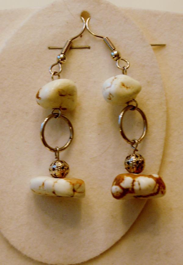 White Bone Semi-Precious Stones and Silver Mesh tubing Necklace Set