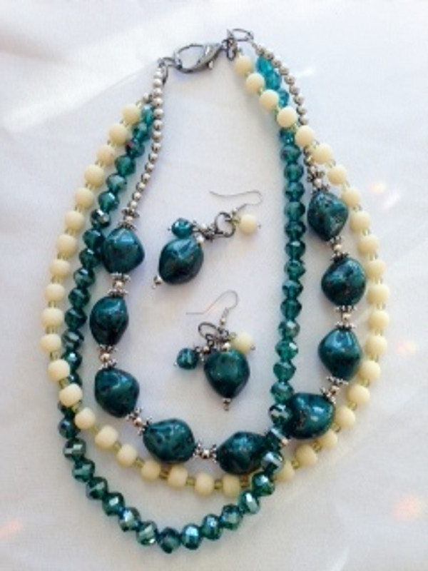 Turquoise and Cream Crystals and Stone Twist Necklace set