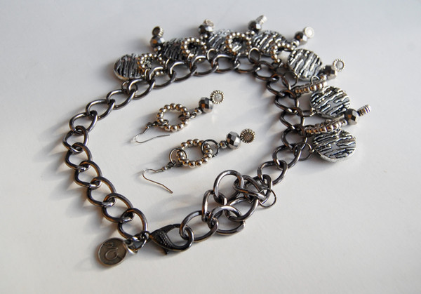 Silver Coin Beads with Silver Crystal Drops and Silver Sunflowers Necklace Set