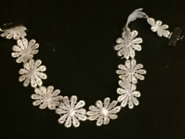 Daisy Choker in white lace