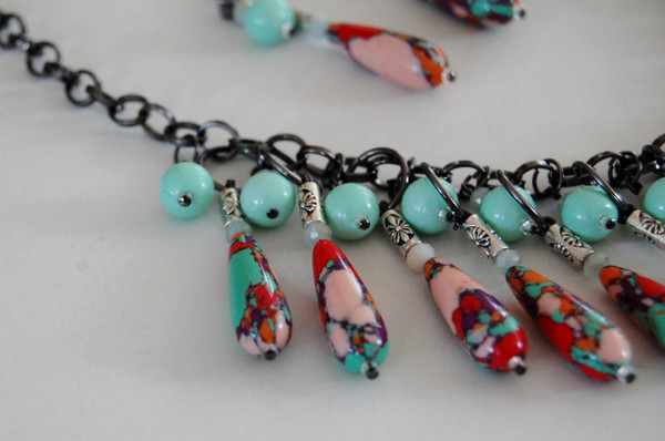 Multi Colour Teardrop Bead Necklace Set
