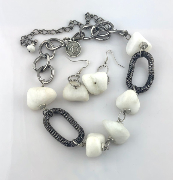 White Agate with Gun Metal mesh loops Necklace set