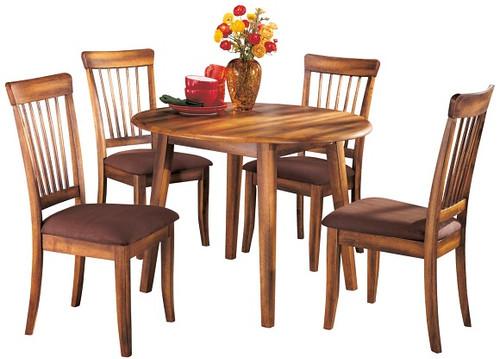 Larson Oak 5 Piece Round Dining Set