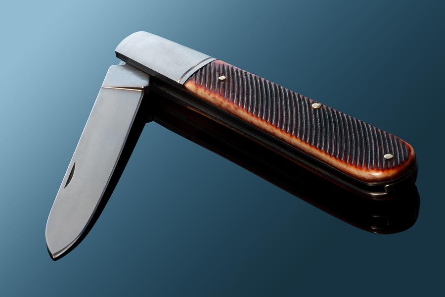classic-pocket-knife