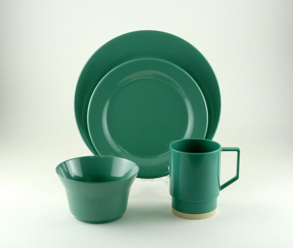 1033-L 24 Galleyware Seafoam 24 Piece Melamine Non-skid Dinnerware Set