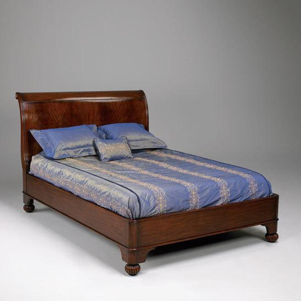 33231 Vintage Sleigh Bed In Glossy Brown Finish