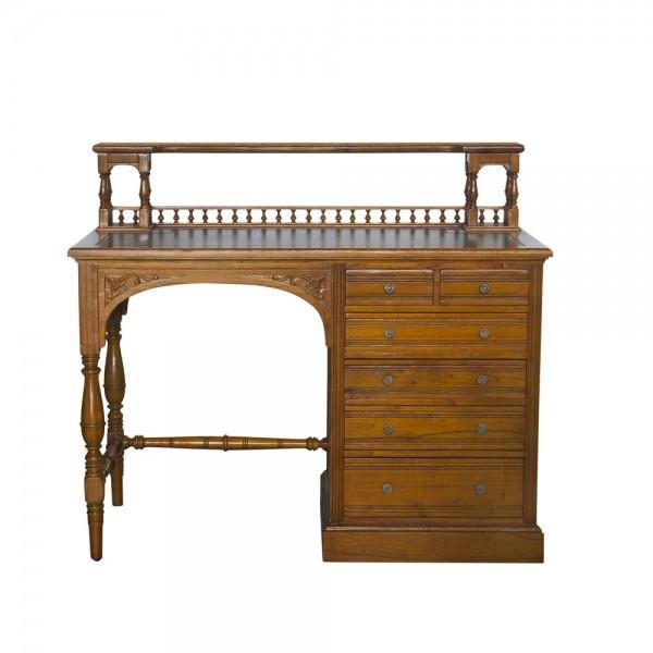 34025 Vintage Desk Geneva With Leather Top
