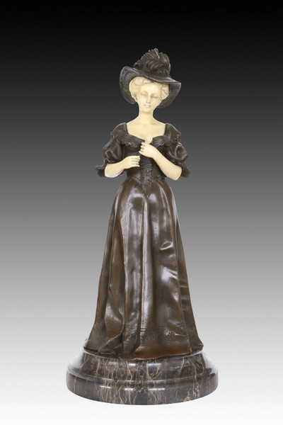 XQ-033 Vintage Woman With Hat