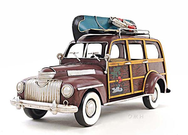 AJ017 Decoration 1947 Chevrolet Suburban Car with Canoe 1:12