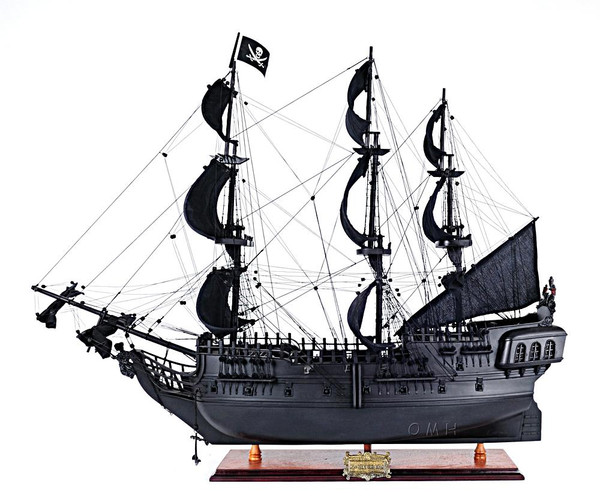 T295 Black Pearl Pirate Ship Model by Old Modern Handicrafts