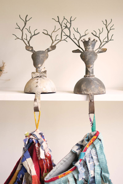 Set Of Two Metal Deer Stocking Holders CHE1357 By Kalalou