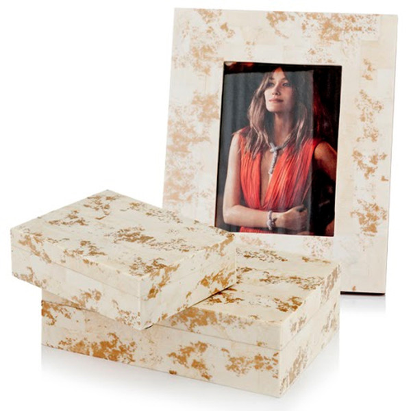 """2"""" X 8.5"""" X 10.5"""" Natural & Gold Spindle - 5X7 Photo Frame 354732 By Homeroots"""