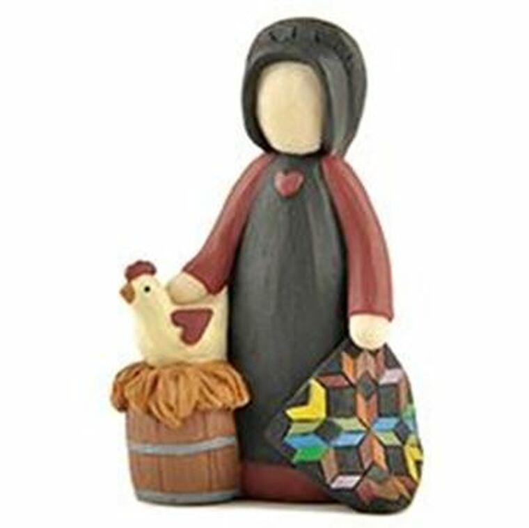 161-10916 Blossom Bucket Amish Woman With Quilt & Hen - Pack of 5