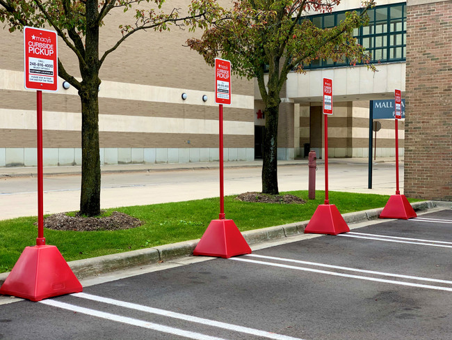 Helpful Ways to Boost Curbside Pickup Services