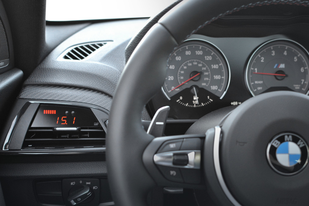 BMW F2X / F87 - P3 Boost gauge