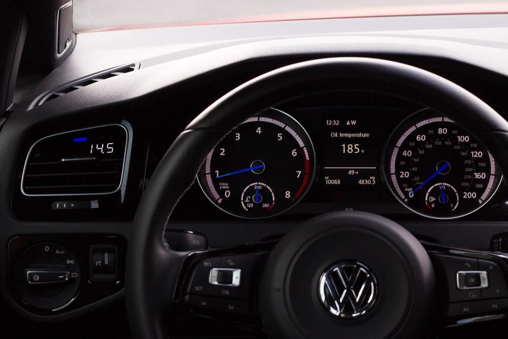 P3 Analog Gauge - VW Mk7 (2014-2019)